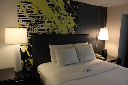 Guestroom | The Brookshire Suites Inner Harbor, BW Premier Collection