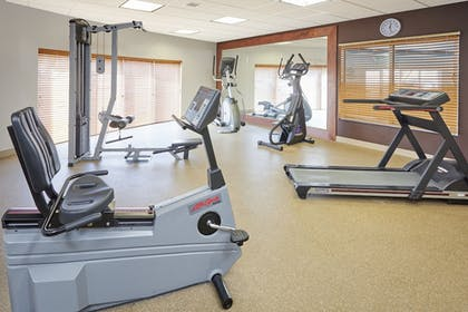 Fitness Facility | Holiday Inn Express Hampton - Coliseum Central