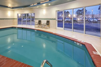 Pool | Holiday Inn Express Hampton - Coliseum Central