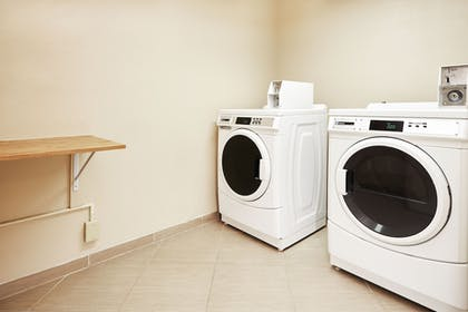 Laundry Room | Holiday Inn Express Hampton - Coliseum Central