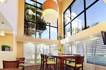Lobby   Best Western Cocoa Beach Hotel & Suites