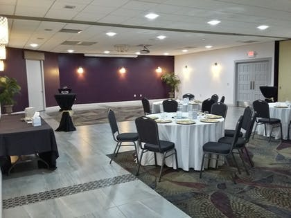 Meeting Facility |  | Clarion Inn & Suites Across From Universal Orlando Resort