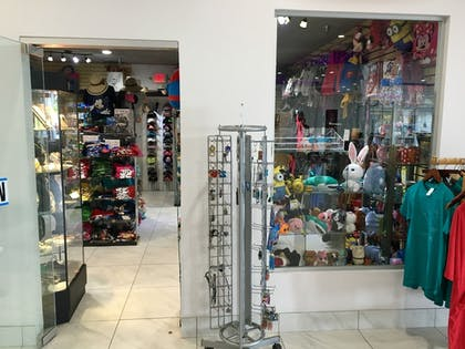 Gift Shop |  | Clarion Inn & Suites Across From Universal Orlando Resort