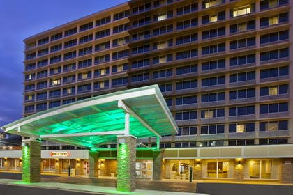 Exterior   Holiday Inn Columbus Downtown Capitol Square