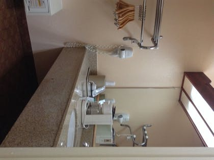 Bathroom Sink | Econo Lodge Inn & Suites Downtown Northeast