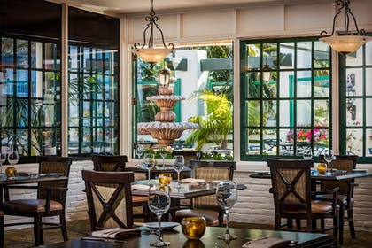 Restaurant | Bahia Resort Hotel