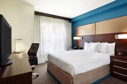 Guestroom | Residence Inn by Marriott Houston by The Galleria