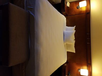 Guestroom | The Hotel Fresno