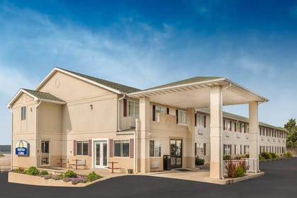 Featured Image | Days Inn by Wyndham Osage Beach Lake of the Ozarks
