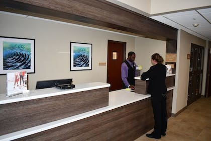 Lobby | Candlewood Suites Grand Rapids Airport