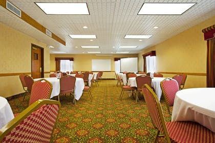 Meeting Facility | Candlewood Suites Grand Rapids Airport