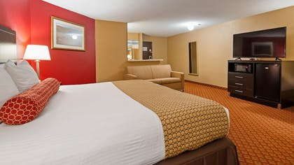 Room | SureStay Plus Hotel by Best Western Oklahoma City North
