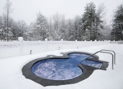 Outdoor Spa Tub | The Essex, Vermont's Culinary Resort & Spa