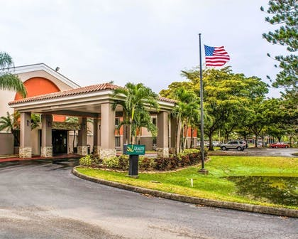 Featured Image | Quality Suites Fort Myers - I-75