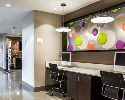 Business Center | Quality Suites Fort Myers - I-75
