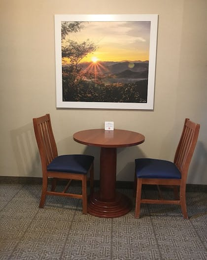 In-Room Dining   Days Inn by Wyndham Airport/Maine Mall