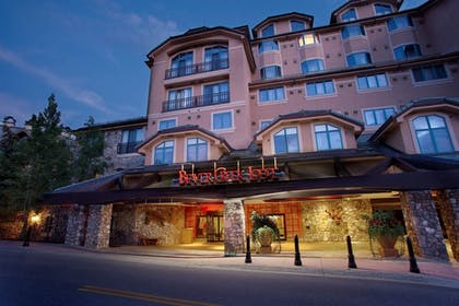 Hotel Front - Evening/Night | Beaver Creek Lodge, Autograph Collection