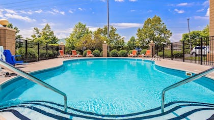 Pool | Best Western Plus Cedar Bluff Inn