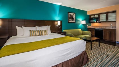 Guestroom | Best Western Plus Cedar Bluff Inn