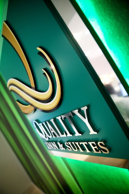 Exterior | Quality Inn & Suites By the Parks