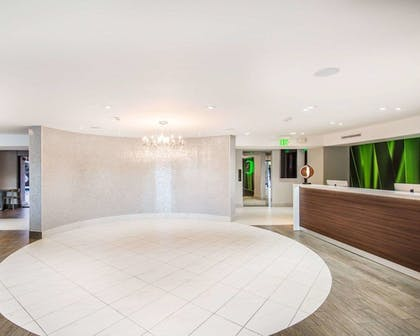 Lobby | Quality Inn & Suites By the Parks