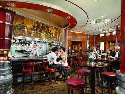 Hotel Bar   The Queen Mary