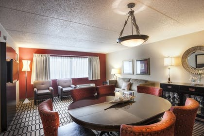 Guestroom | Delta Hotels by Marriott Fargo