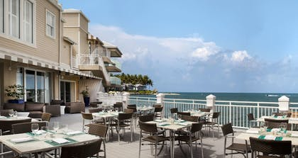 Outdoor Dining | Pier House Resort & Spa