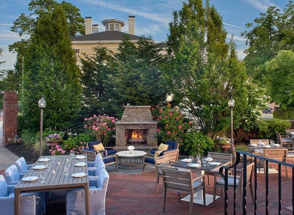 Outdoor Dining | Hotel Viking