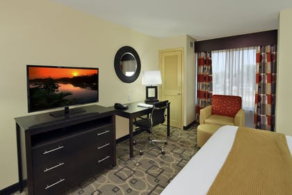 Guestroom | Holiday Inn Express Augusta Downtown