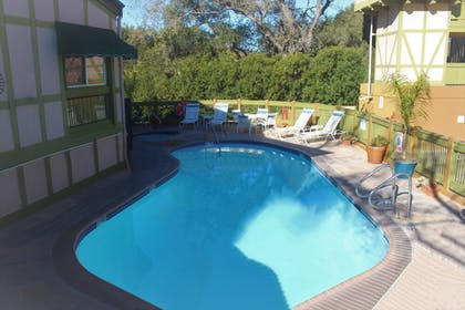 Outdoor Pool | Vacations Inn Solvang