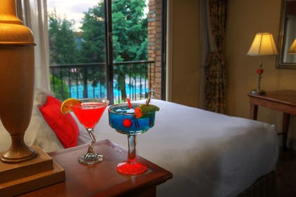 In-Room Dining | Red Lion Hotel and Conference Center Pasco