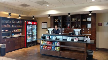 Snack Bar | Four Points by Sheraton Kansas City Airport