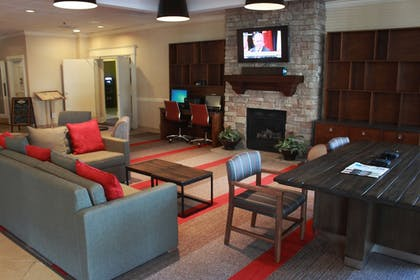 Lobby Sitting Area | Four Points by Sheraton Kansas City Airport