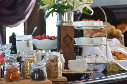 Buffet | The Culver Hotel