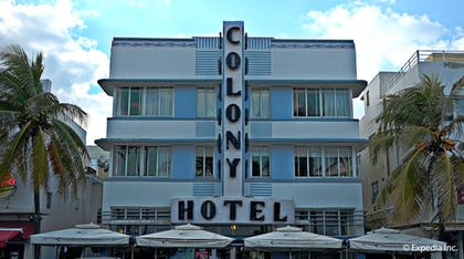 Hotel Front | The Colony Hotel