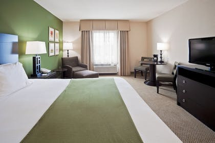 Guestroom | Holiday Inn Express Hotel & Suites Marathon