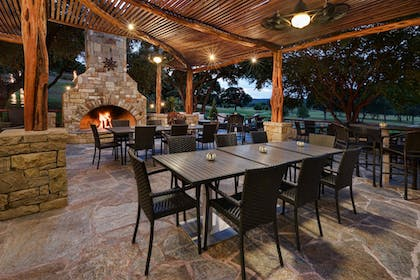 Family Dining | Tapatio Springs Hill Country Resort and Spa