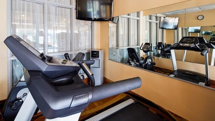 Fitness Facility | Best Western Knoxville Suites - Downtown