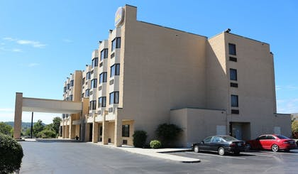 Parking | Best Western Knoxville Suites - Downtown