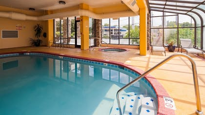 Pool | Best Western Knoxville Suites - Downtown