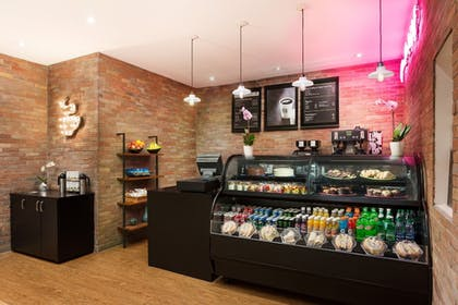 Snack Bar | Sawgrass Grand Hotel and Suites Sports Complex