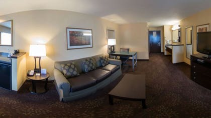 Living Room | Holiday Inn Express Portland East - Troutdale