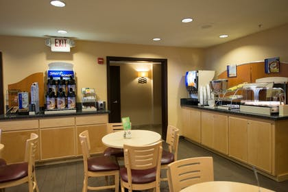 Restaurant | Holiday Inn Express Portland East - Troutdale