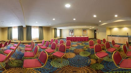 Meeting Facility | Holiday Inn Express Portland East - Troutdale