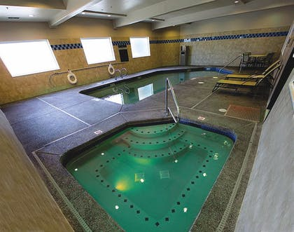 Pool | Holiday Inn Express Portland East - Troutdale