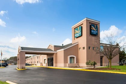 Featured Image | Quality Inn