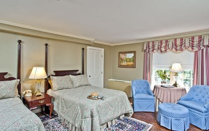 Guestroom | The Waterfront Historic Kent Manor Inn