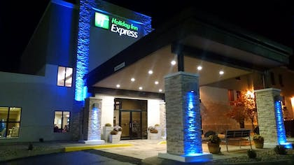 Featured Image | Holiday Inn Express Cloverdale - Greencastle
