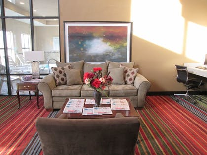 Lobby | Holiday Inn Express Cloverdale - Greencastle
